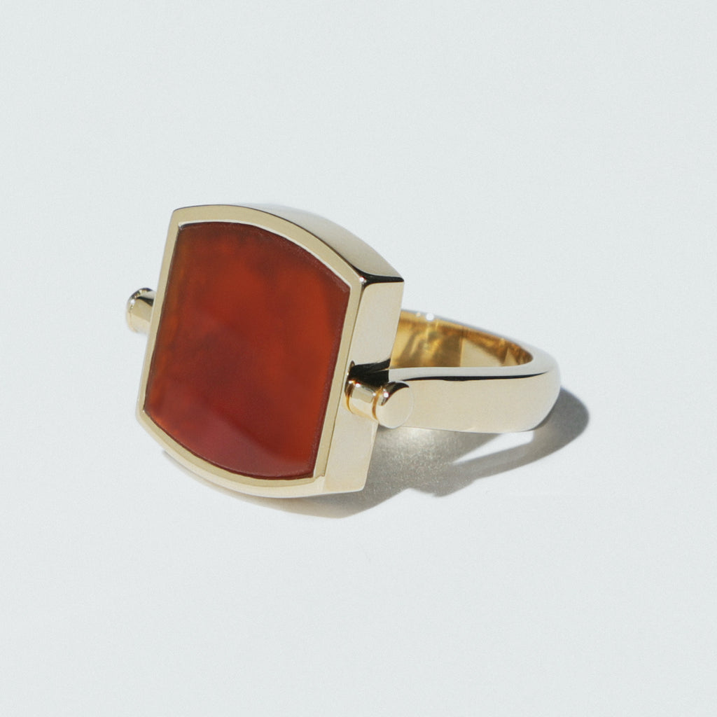 Lozenge Cornelian gold swivel ring