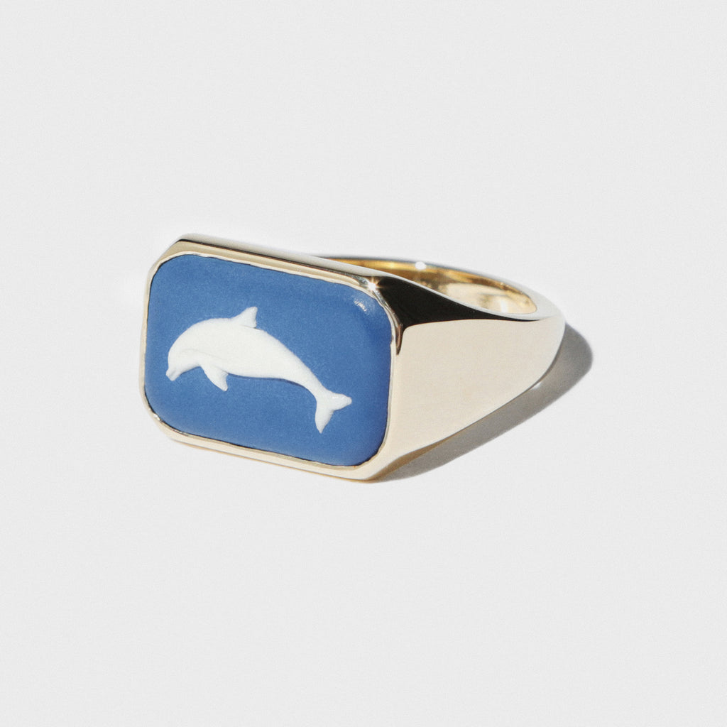 WEDGWOOD DOLPHIN RECTANGULAR SIGNET RING