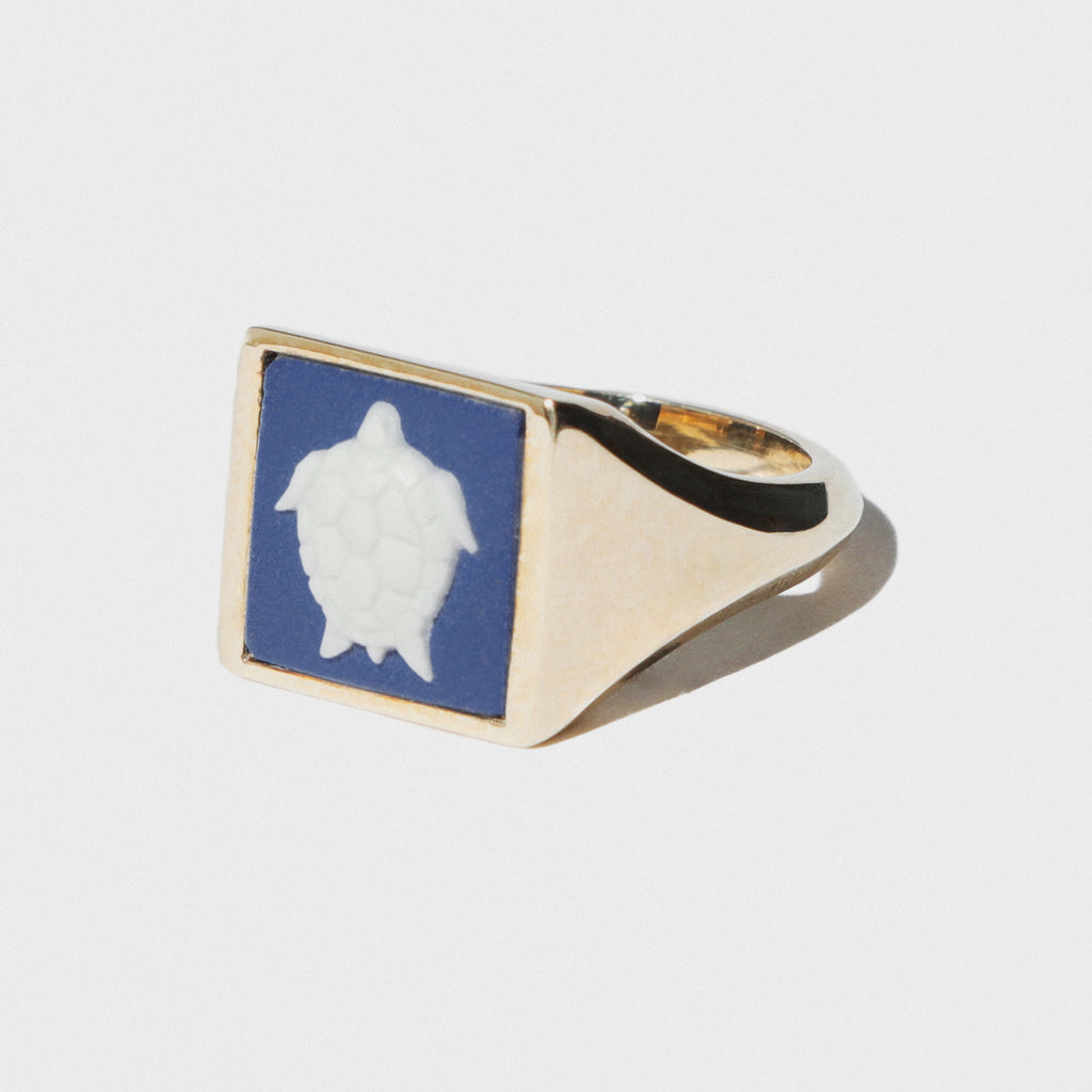 WEDGWOOD TURTLE PORTLAND BLUE/WHITE GOLD RING
