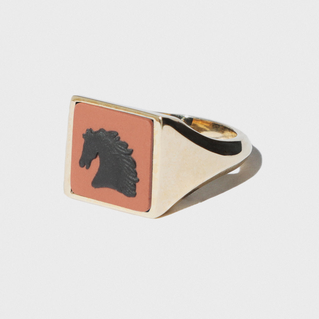 WEDGWOOD TERRACOTTA AND BLACK HORSE SQUARE SIGNET RING