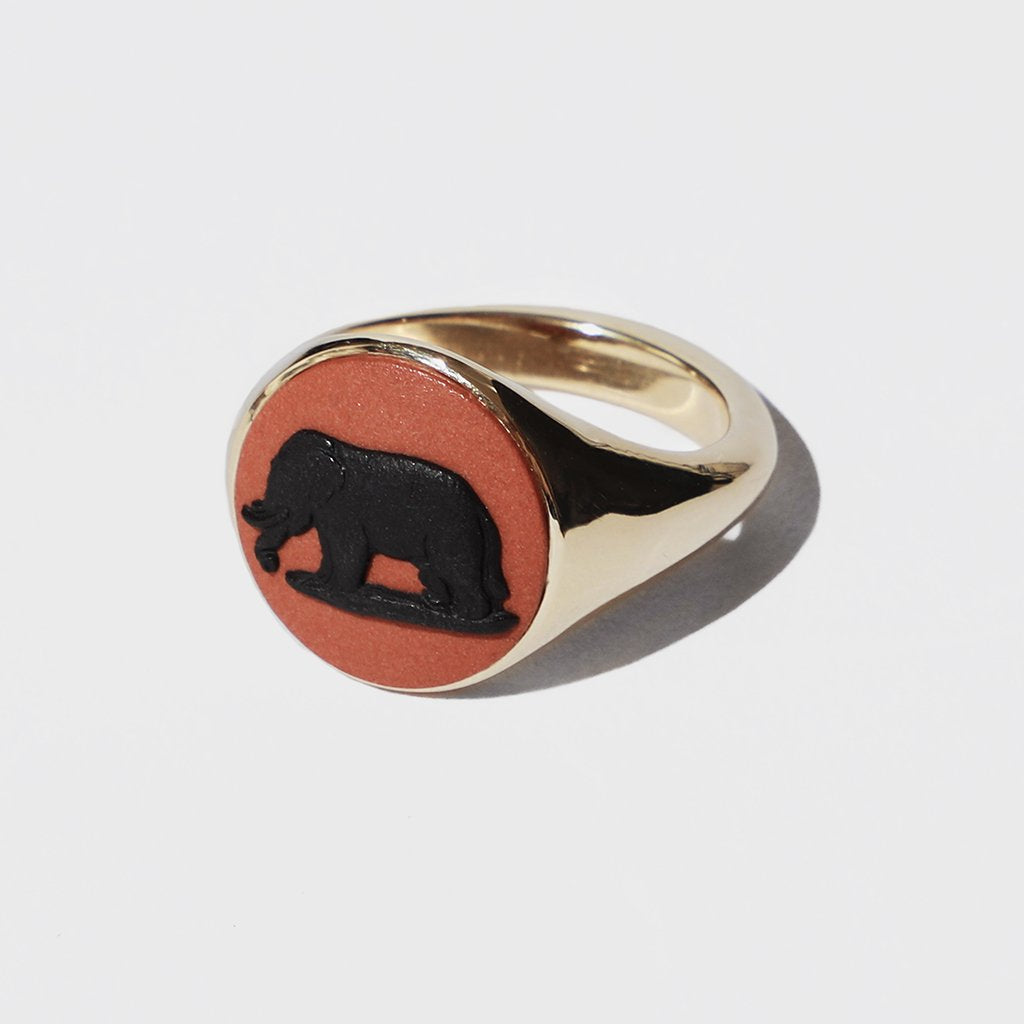 WEDGWOOD ELEPHANT SIGNET RING GOLD