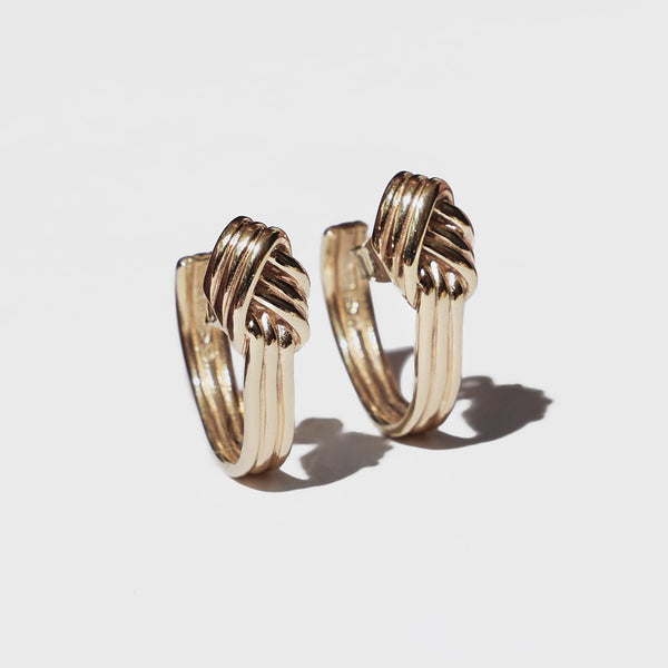 LOVERS KNOT HOOP EARRINGS GOLD