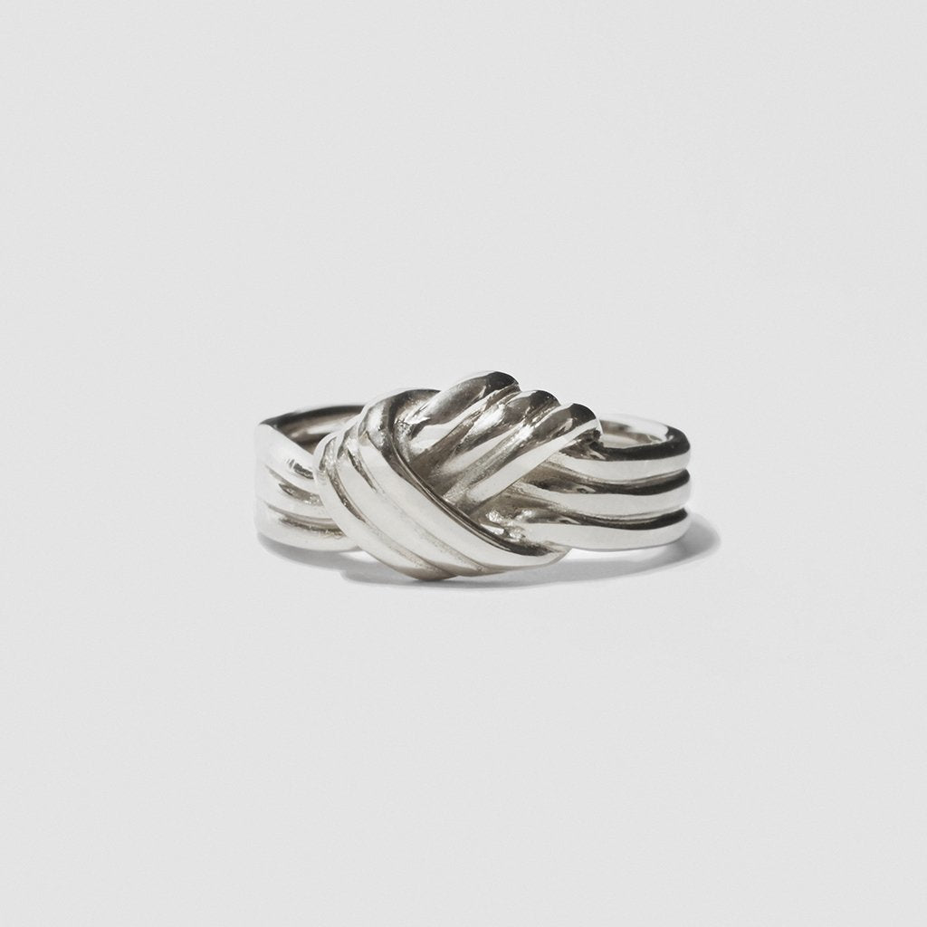 LOVERS KNOT RING SILVER