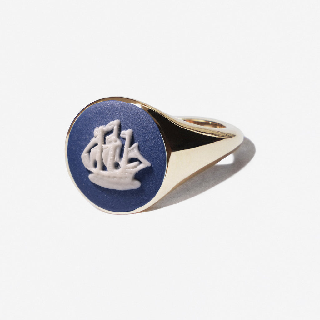 WEDGWOOD NAVY GOLDEN HIND GALLEON SIGNET RING