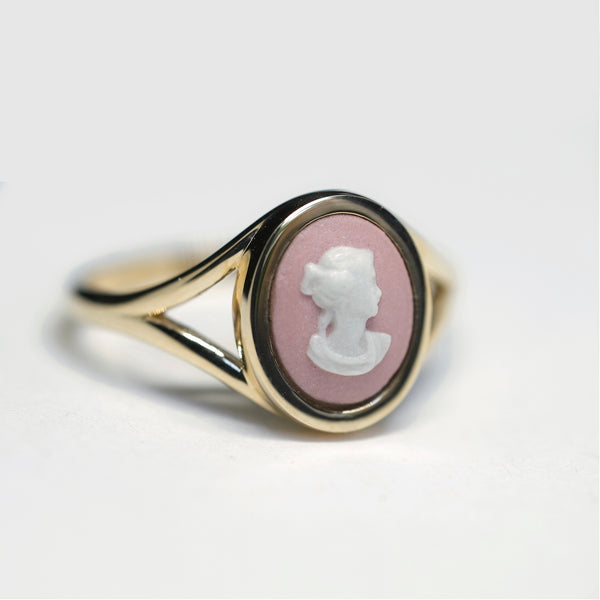 WEDGWOOD PINK PROFILE MINI GOLD RING