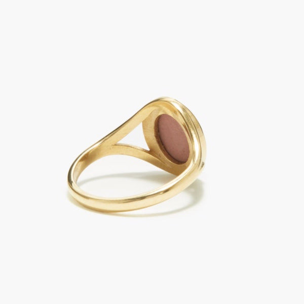 WEDGWOOD TINY PINK PROFILE GOLD RING