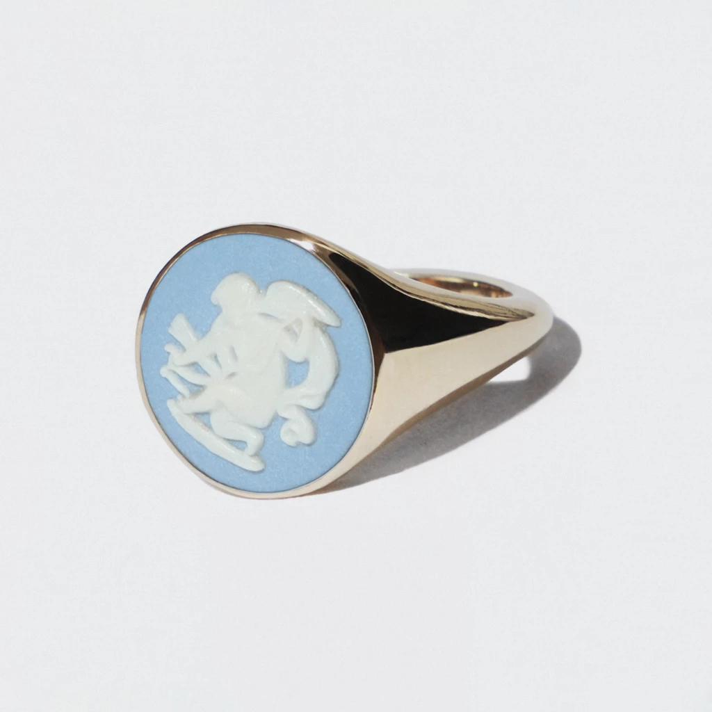 WEDGWOOD CHERUB RING