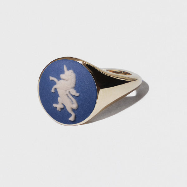WEDGWOOD PORTLAND BLUE UNICORN SIGNET RING