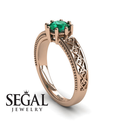 The Victorian Hearts Green Emerald Ring- Evelyn noº 11