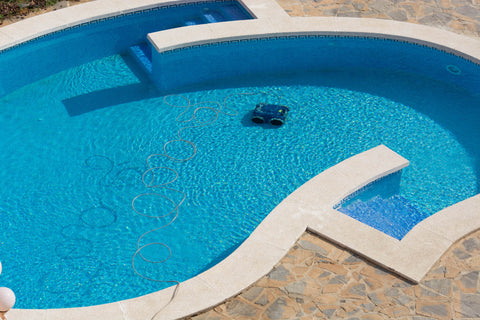 robotic pool cleaner operating in large pool