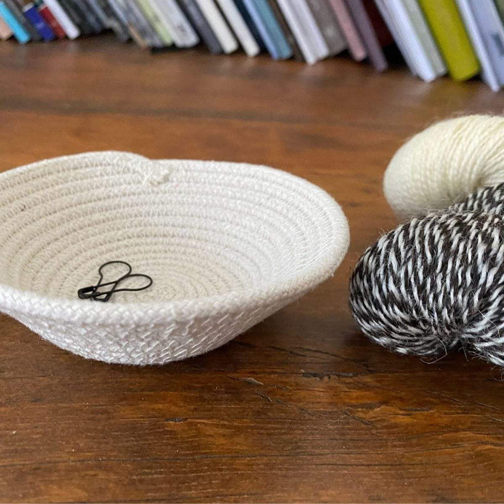 Knitting Notions Rope Stitch Marker Bowls