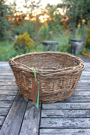 Medium willow basket