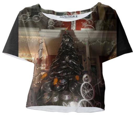 Hubcap Christmas Tree Hon Crop Tee