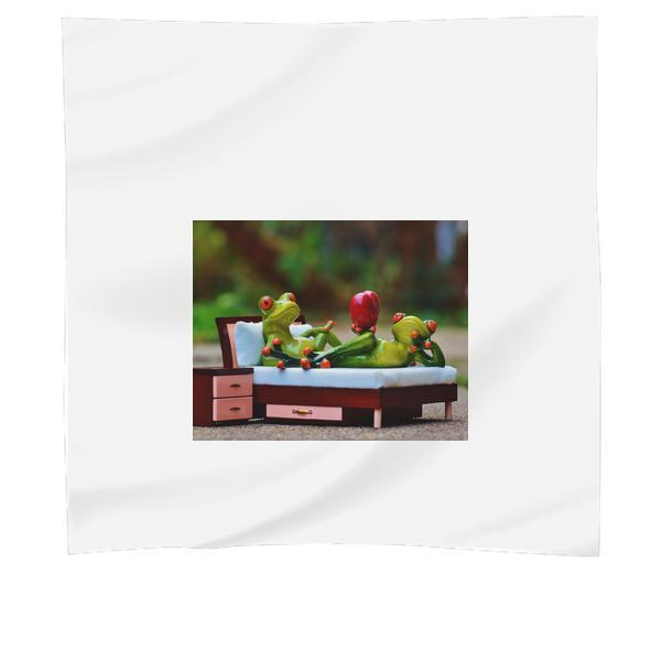 2 Green Frog On Bed Figurine Scarf