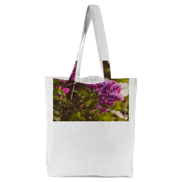 Purple Cluster Petaled Flower Focus Photography Tote Bag
