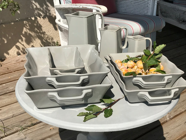 Full set of five dishes, platter and three jugs in Taupe