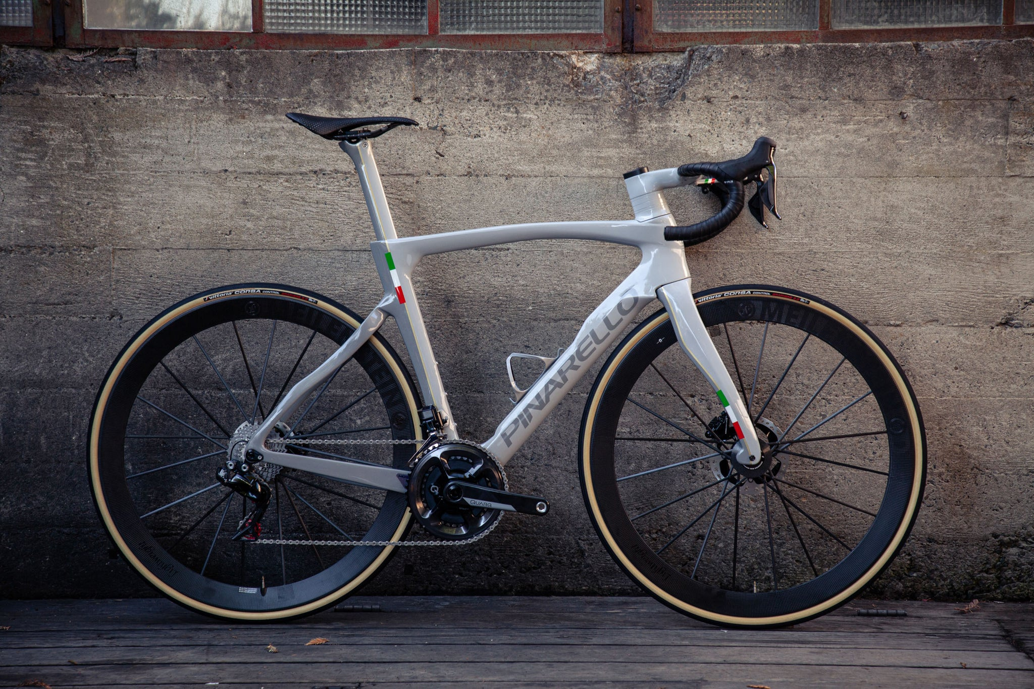 pinarello dogma f12 custom paint velocolour