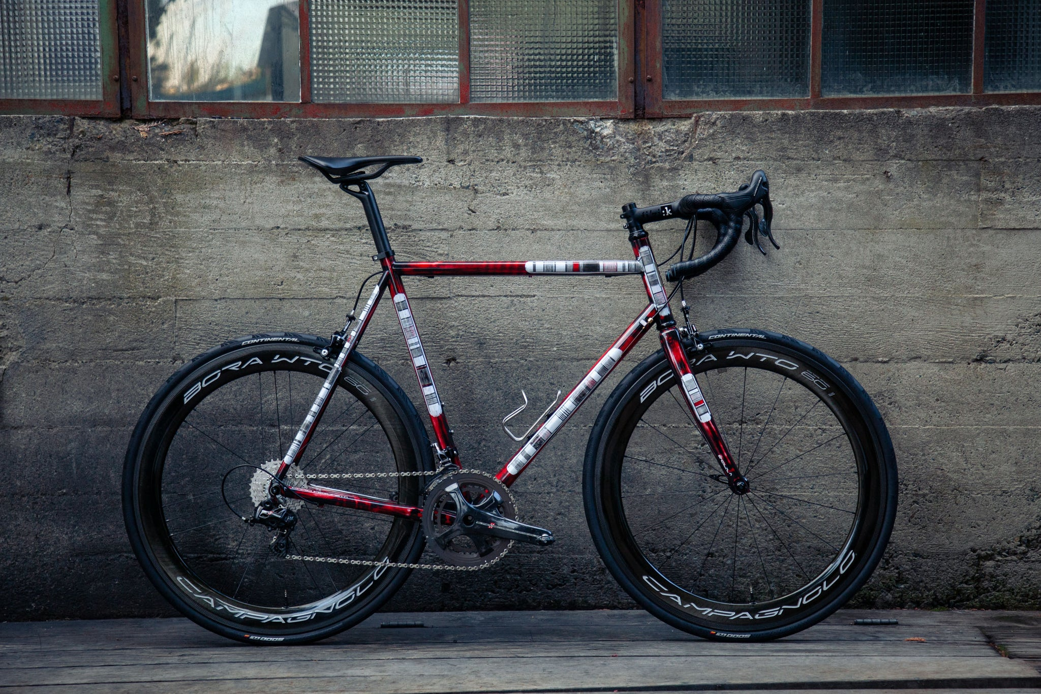 pegoretti Mxxxxxo wine red campagnolo horizontal profile