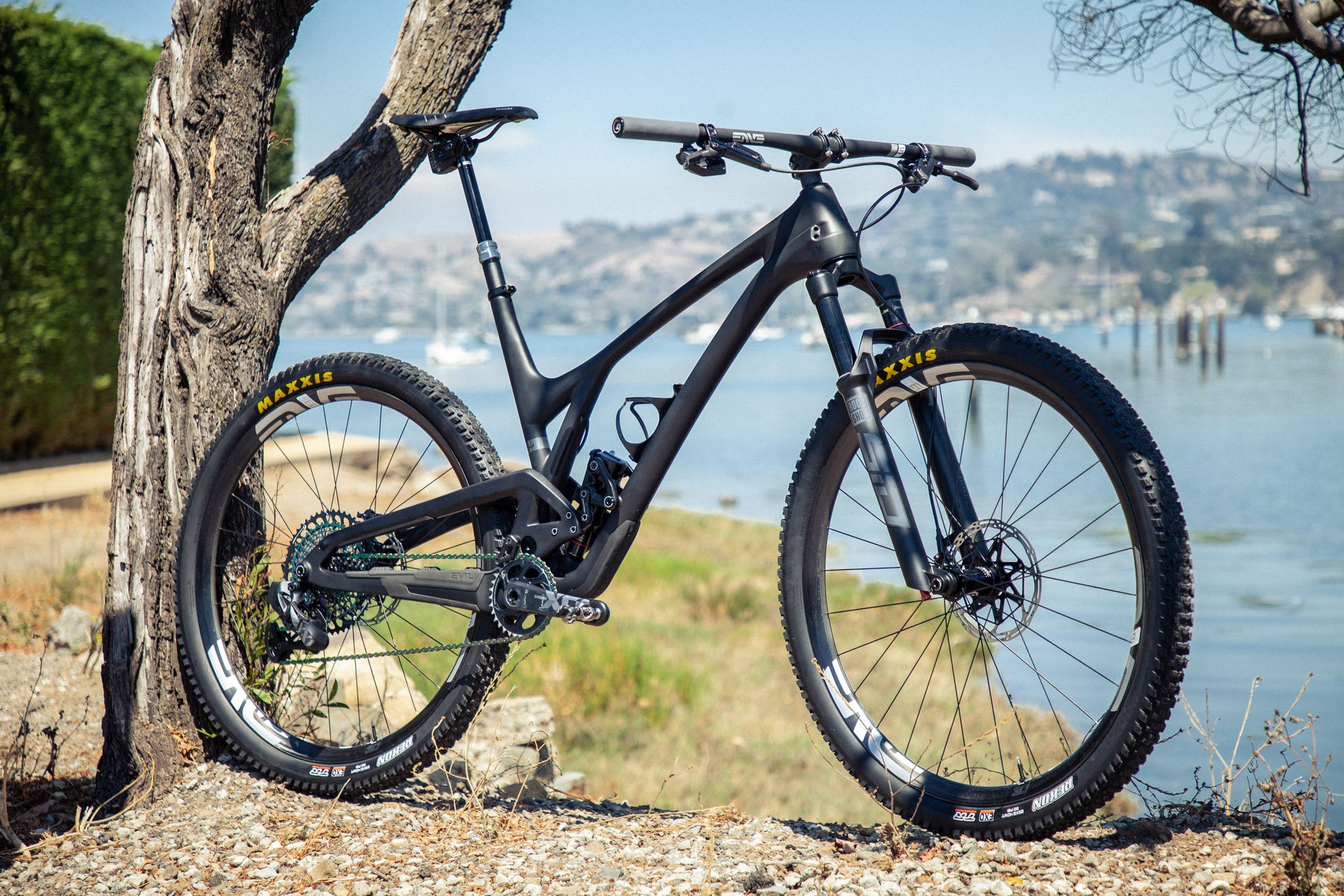 evil following black sram axs rock shox enve bike profile