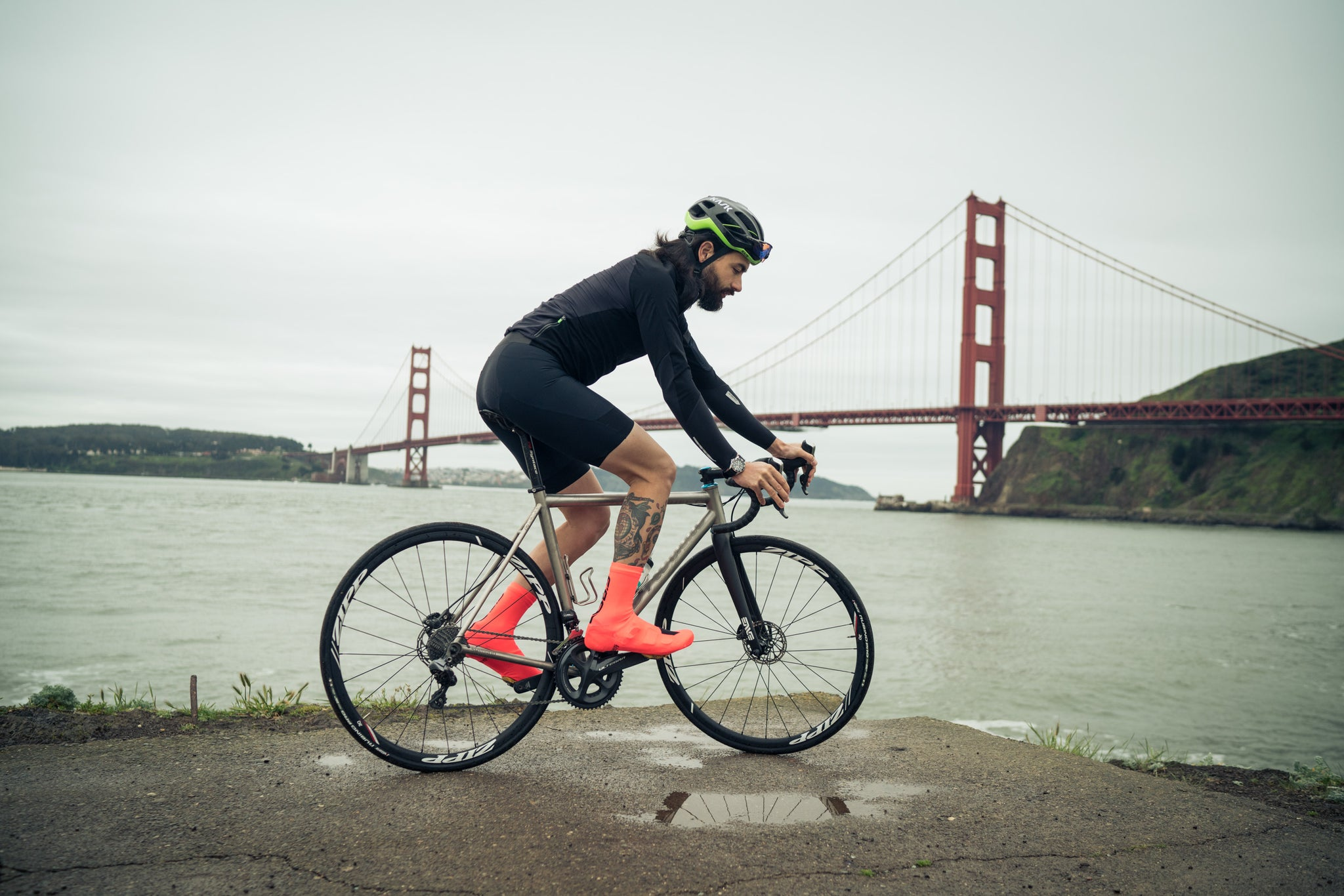 q36.5 gregarious ultra bib short golden gate bridge