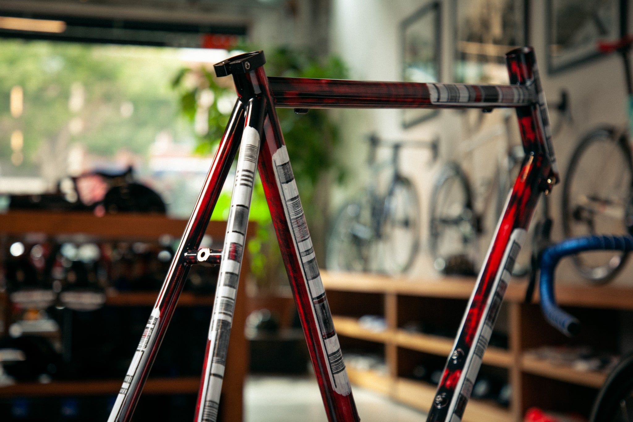 https://abovecategorycycling.com/blogs/gallery/gallery-a-wine-red-pegoretti-mxxxxxo frameset 3