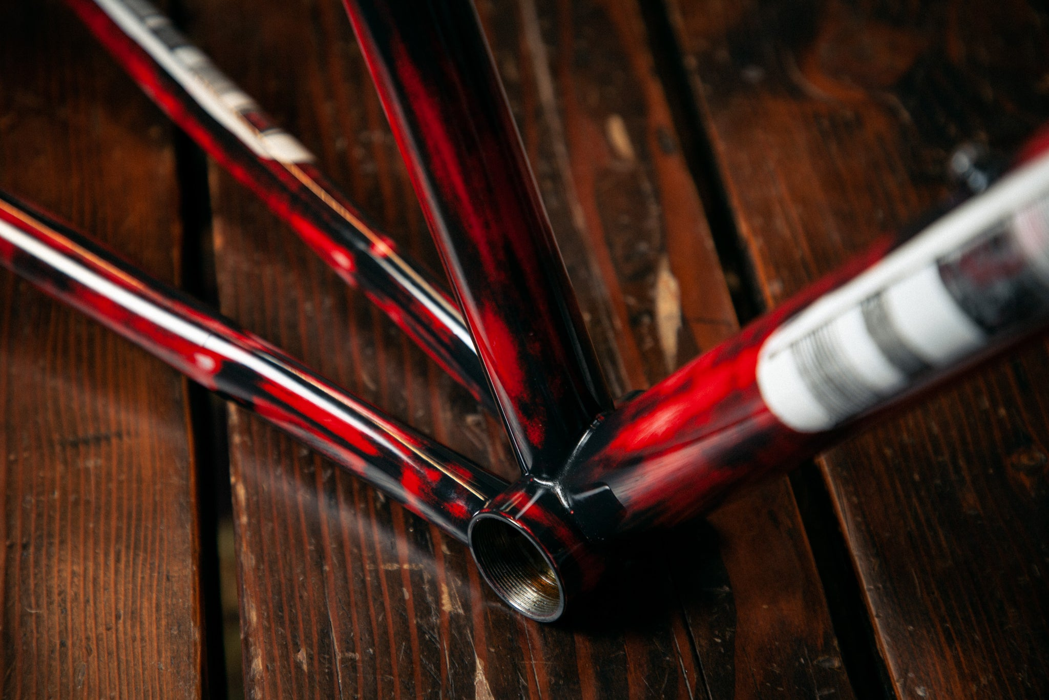 https://abovecategorycycling.com/blogs/gallery/gallery-a-wine-red-pegoretti-mxxxxxo frameset 2