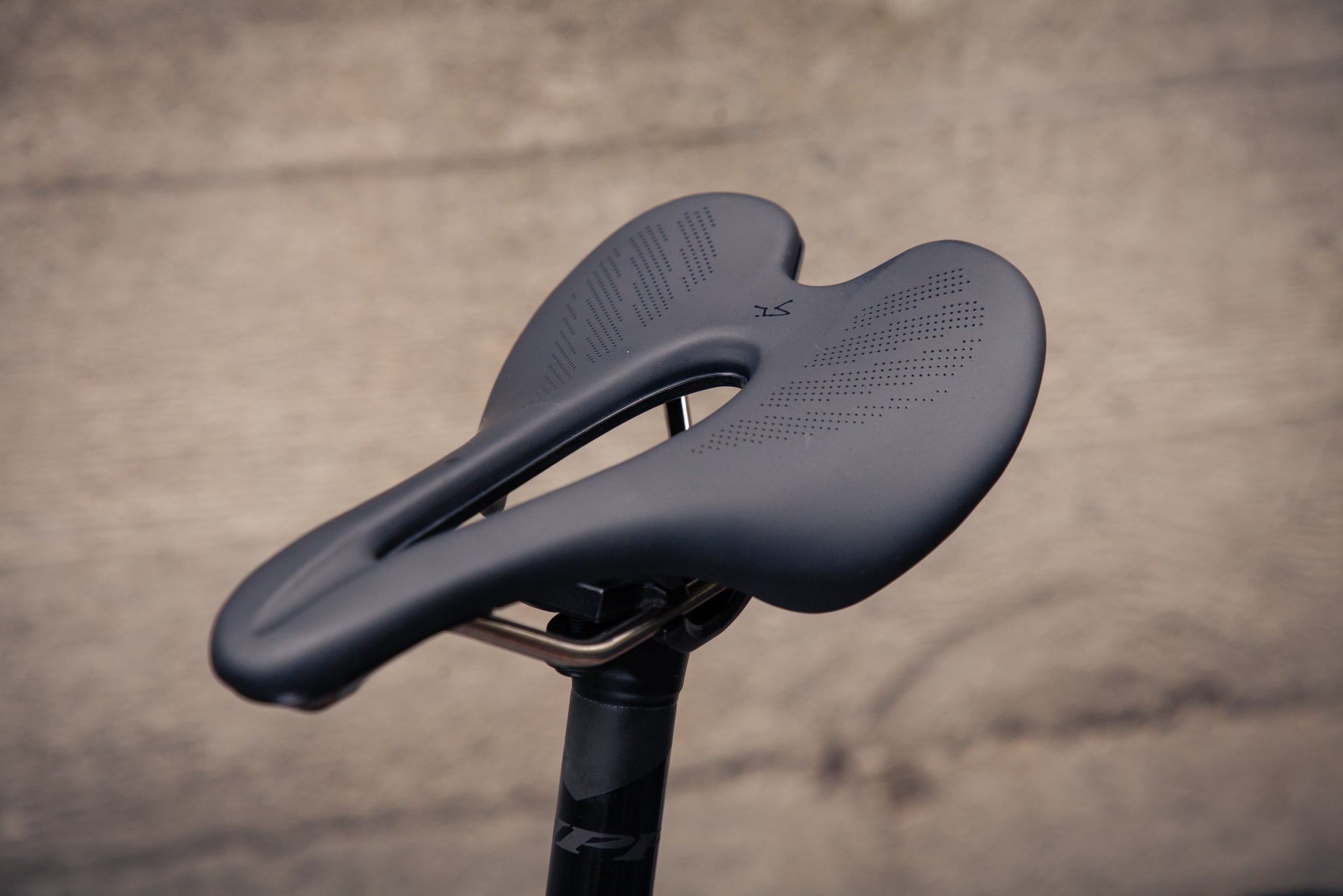 open wide zipp sram axs mullet saddle