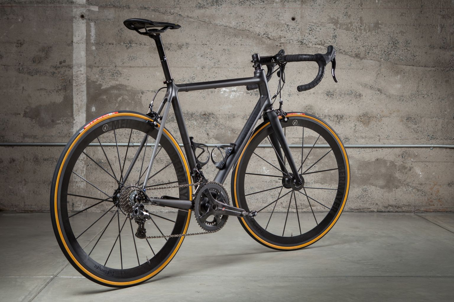 Argonaut custom carbon bike side