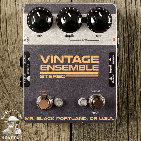 Mr. Black Stereo Vintage Ensemble Chorus Pedal