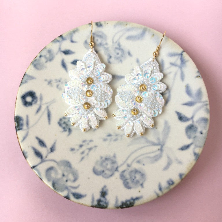 AYADA Leaf Embroidery Earrings in White