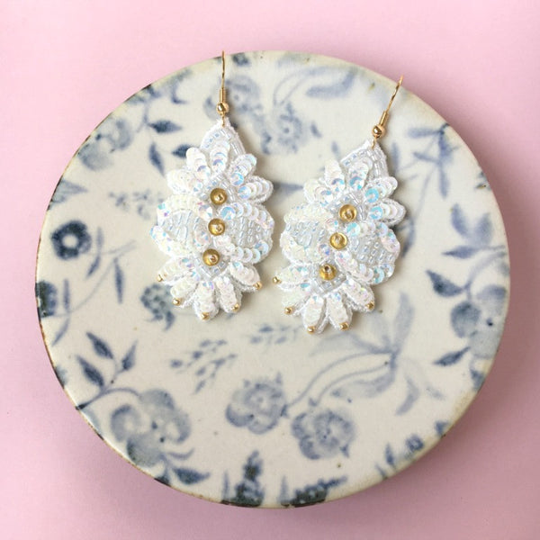 AYADA Leaf Embroidery Jewelry Earrings in White