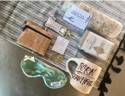 Gift Ideas for Mamas of Littles and Expectant Mothers