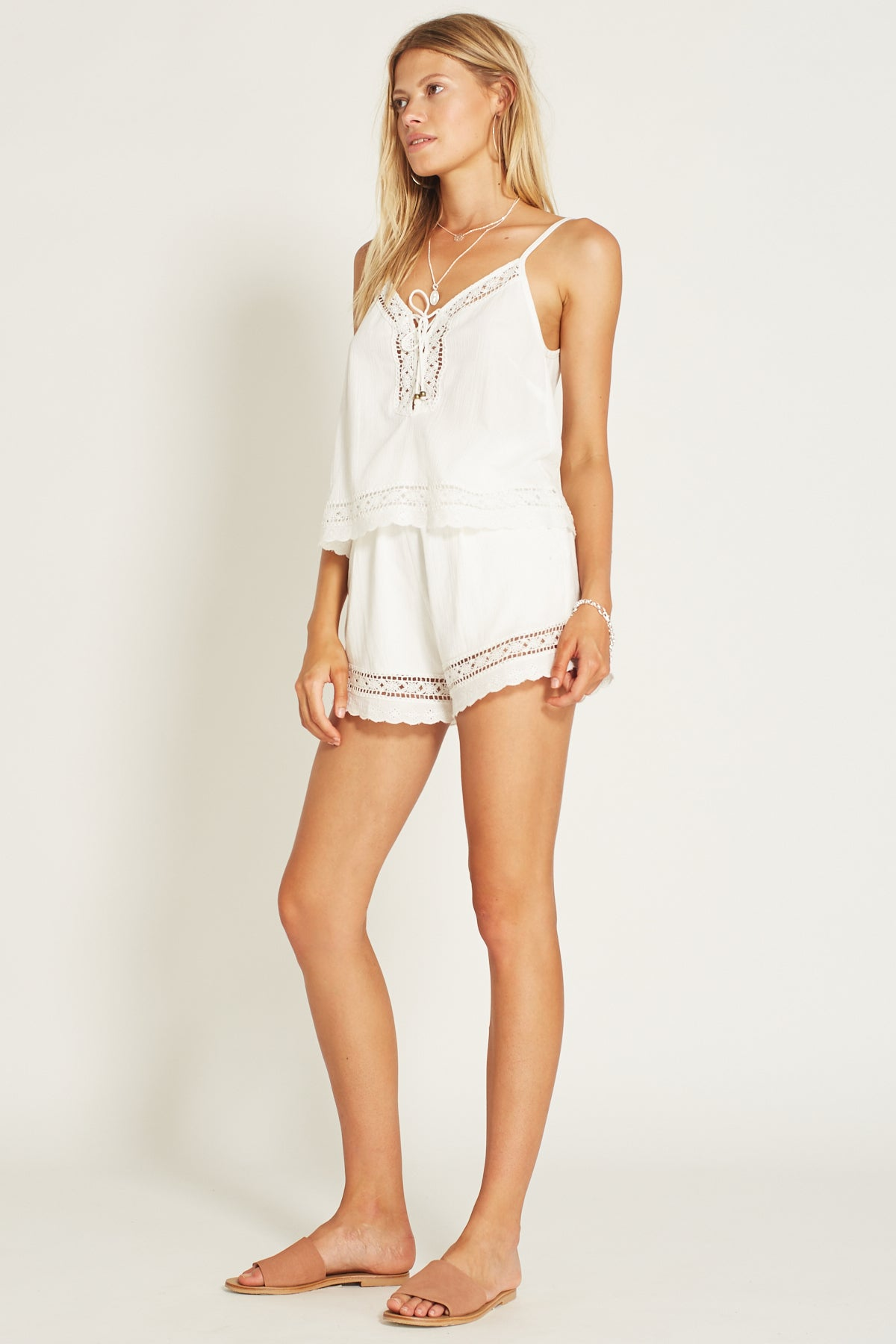 Melody Shorts White