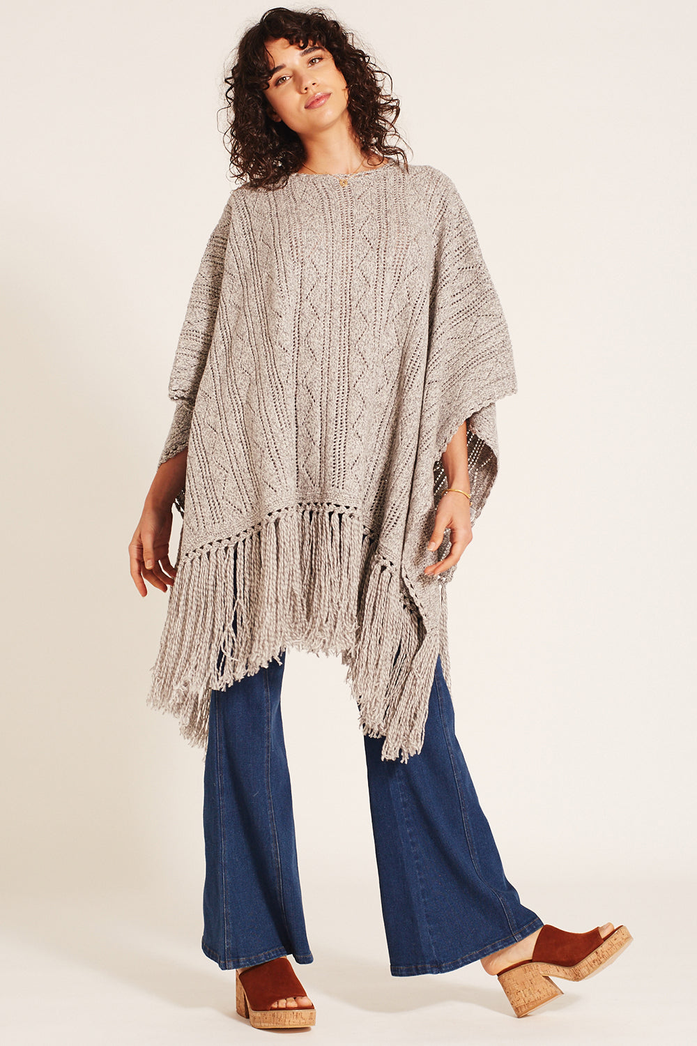 Jules Poncho in Grey