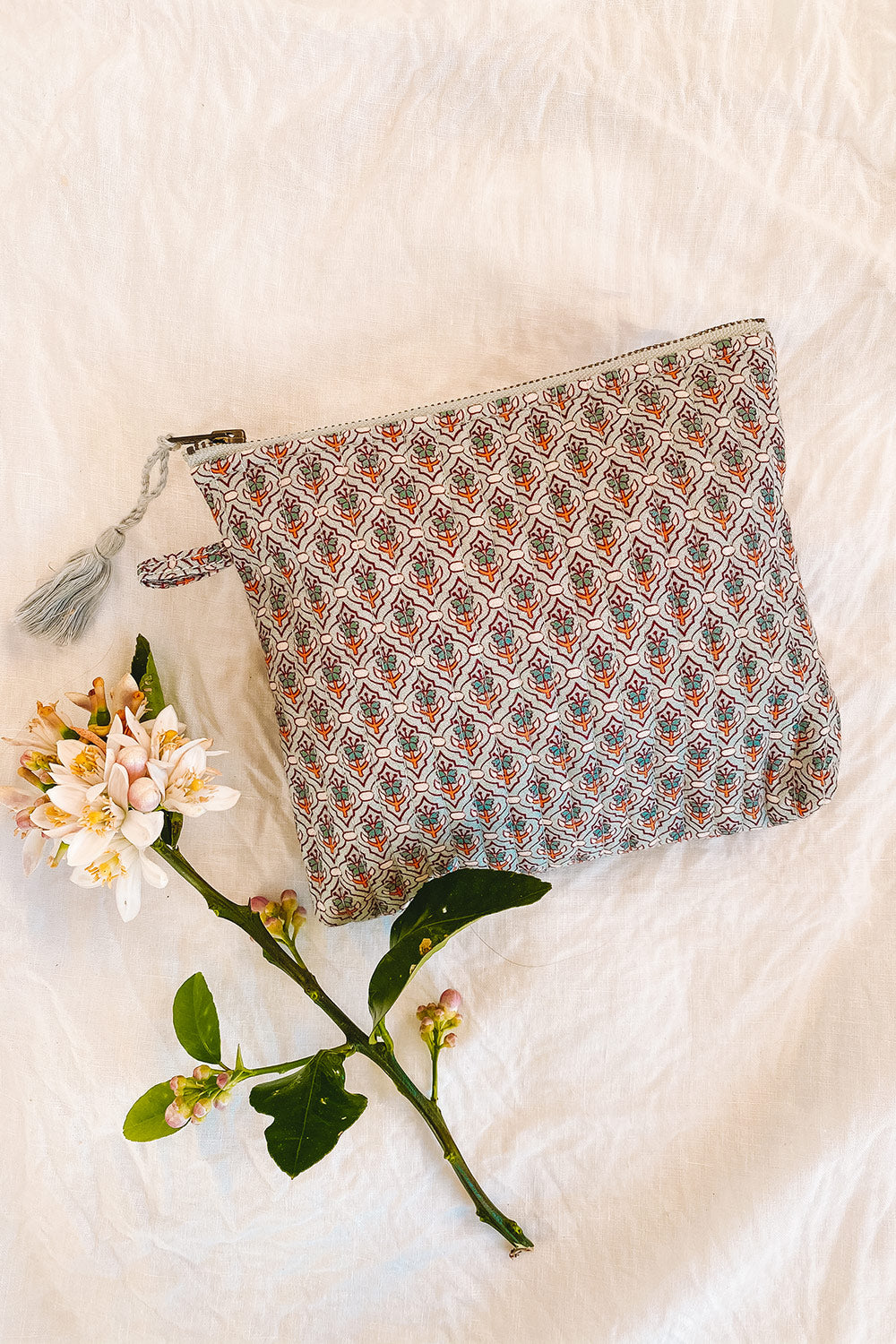 Fleetwood Revive Pouch in Tile Grey