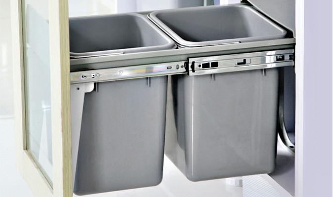 Etonnant Kitchen Bins   Twin Pull Out Kitchen Bins