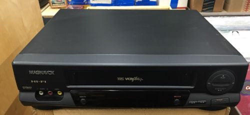 Magnavox video cassette recorder VCR 4 head vrt462at01