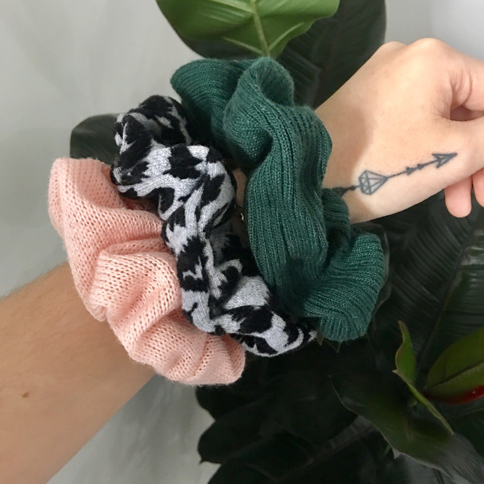 Ribbed Scrunchie- Forest Green