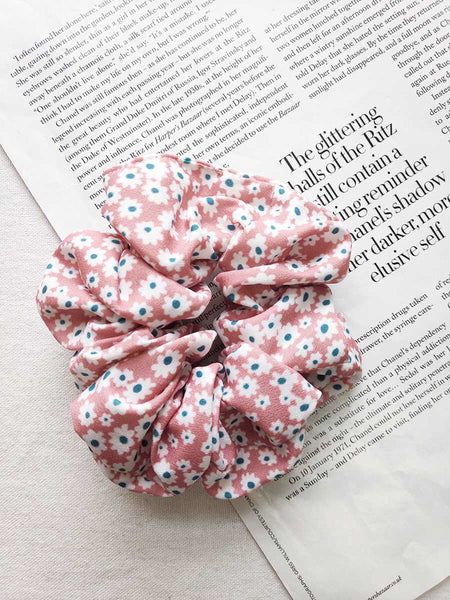 Daisy Dukes Scrunchie- Pink