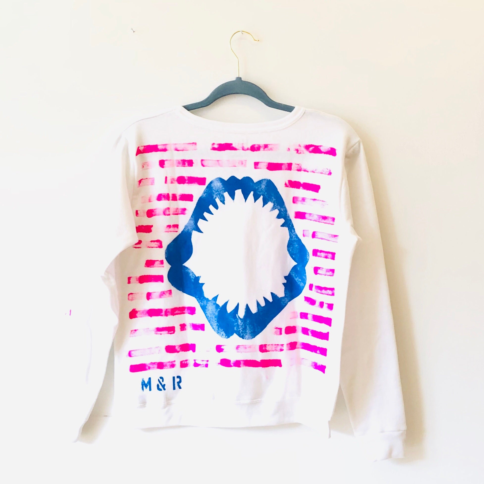 SHARK JAWS SWEATSHIRT