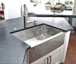 Single bowl brushed hammered stainless steel kitchen sink