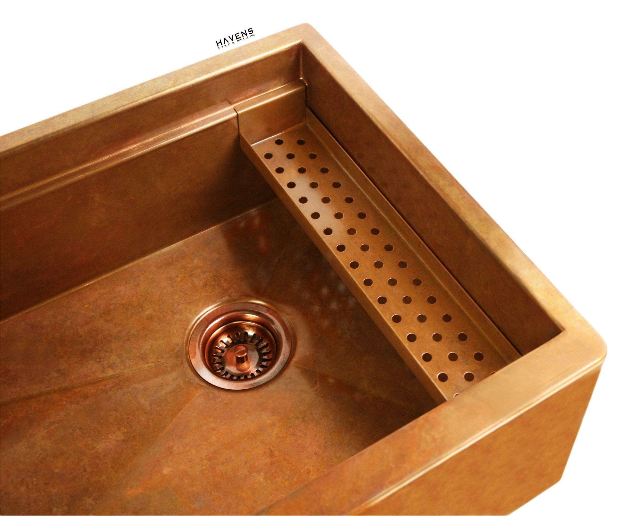 Built in copper sink ledge for advanced accessories.