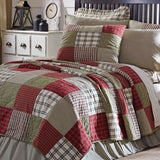 10_37997_PrairieWinds_QueenQuilt_Lifestyle1.jpg