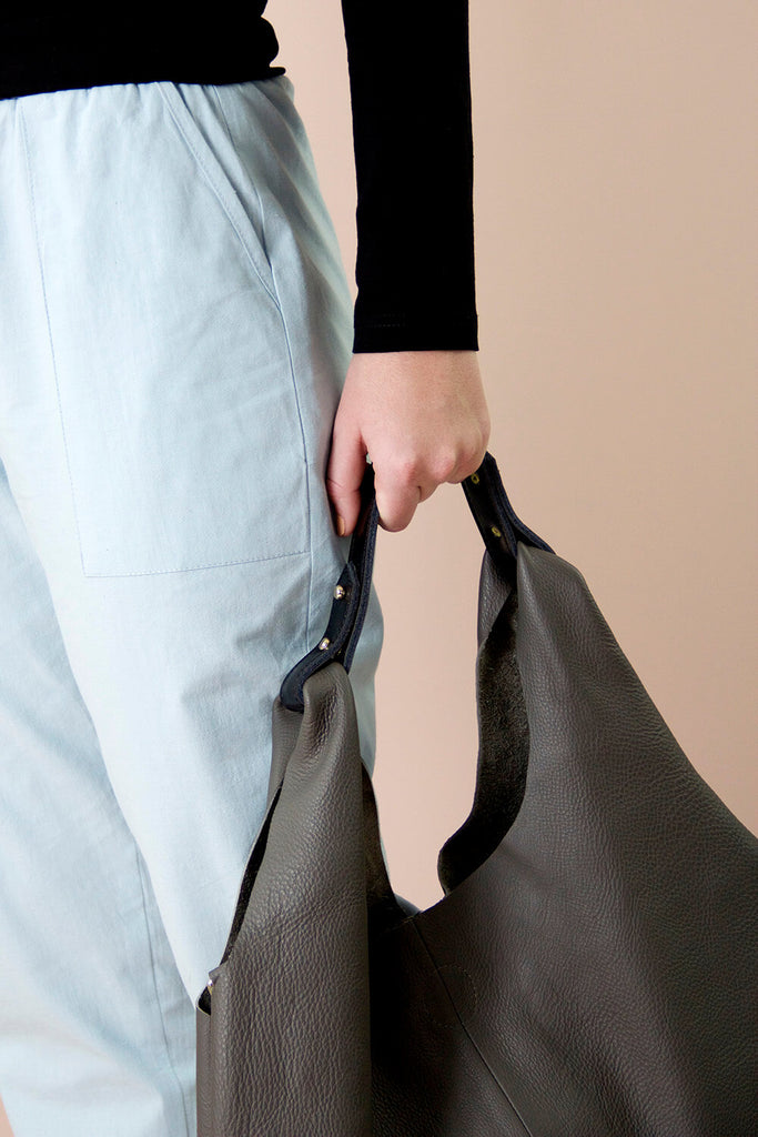 NOMA LEATHER BAG GREY