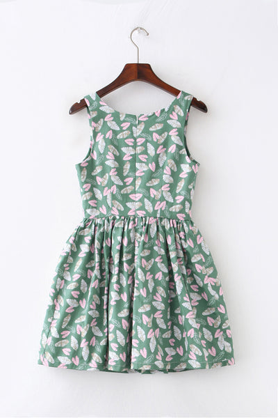 Falling Feather Cute Retro Sundress