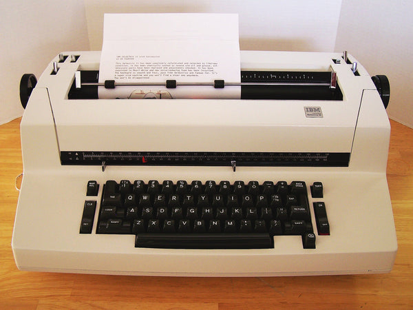 *Refurbished IBM Selectric II Typewriter with Warranty in Pearl White