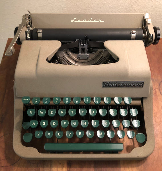*Refurbished Underwood Leader Typewriter
