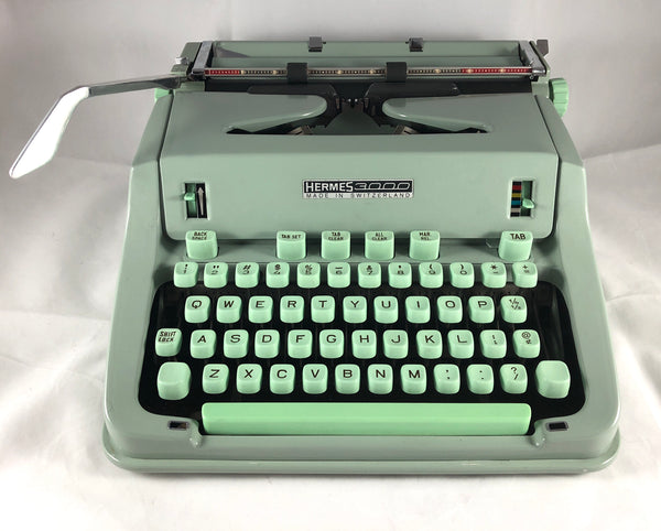 *Refurbished Hermes 3000 Typewriter with Techno Type Style and Warranty
