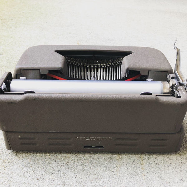 *Refurbished Vintage Manual Smith-Corona Clipper Portable Typewriter with New Platen