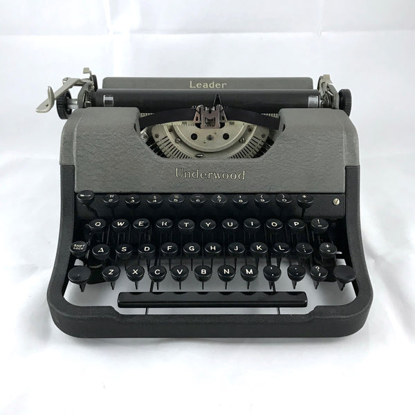 *Refurbished Underwood Leader Portable Typewriter